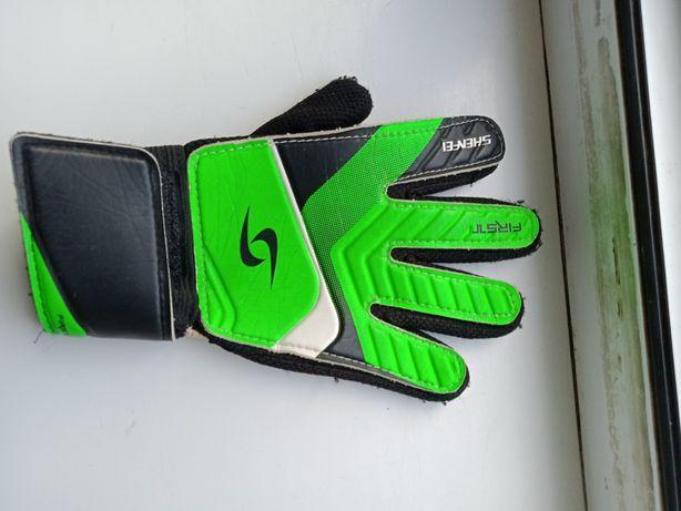 Вратарские перчатки б/у