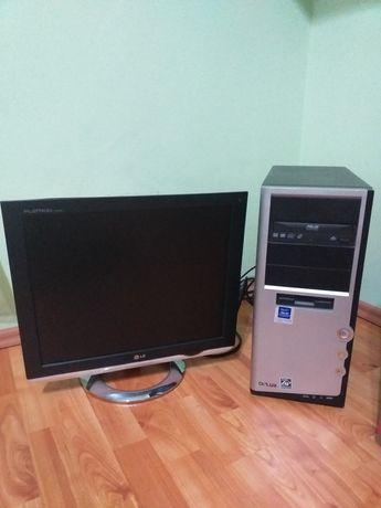Calculator Asus AMD cu monitot LG + tastatură și mouse