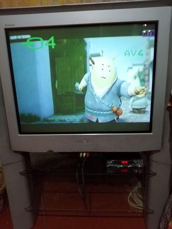 Телевизор с подставкой SONY