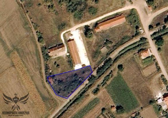 Продавам земя 1773кв.м. до път в с.Златовръх ощ.Асеновград обл.Пловдив