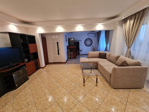 Eroii Revolutiei/ Tineretului Apartament cu 3 camere de închiriat.
