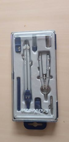 Чертежный инструмент - готовальня. Новый набор.