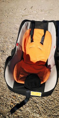 Столче за кола за бебче
