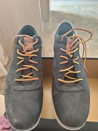 Продам демисезонные ботинки. 42-43 размер.