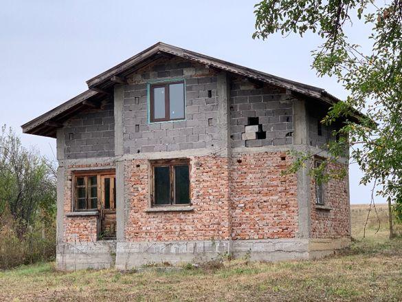 Двуетажна вила село Борското, общ. Габрово.