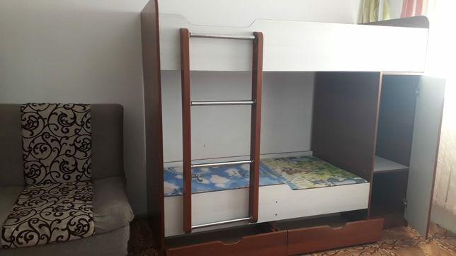 Продам двухъярусный кровать