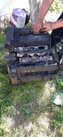Продам двигатель на мазда трибут