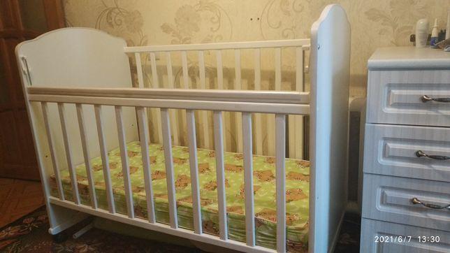 Продам детскую кроватку (манеж) с матрасом