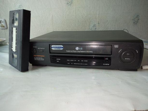 Продам видеомагнитофон касетный