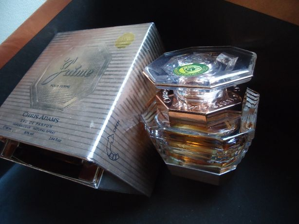 Духи в Большом Хрустальном флаконе в Эксклюзивной коробке -шкатулки .