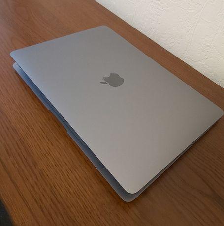 Продам MacBook Air 2020 года Space Gray (256 GB)