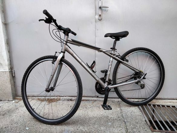 GT Traffic3.0 хибриден велосипед