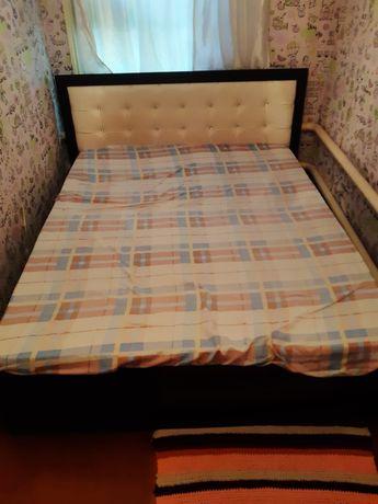 Спальная кровать