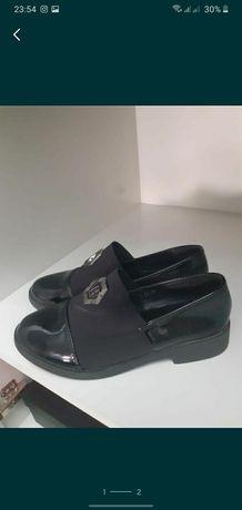 Продам туфли для девочек 12-15 лет
