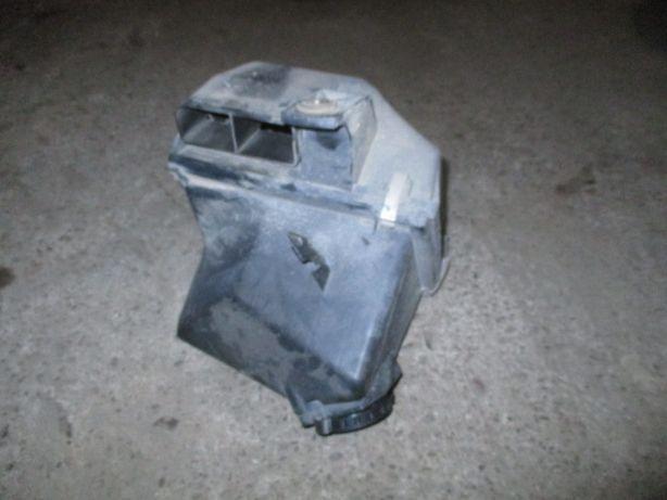 Carcasa filtru aer completa Audi A4 B5 Passat motor 1,6 1,8 benzina