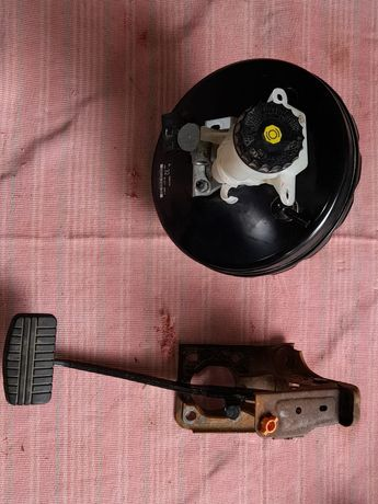 Вакуум тармазной и педаль Mitsubishi Outlander
