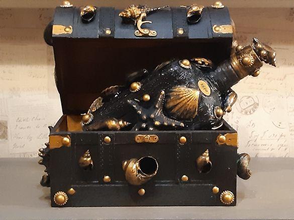 Кутия за бижута + подарък