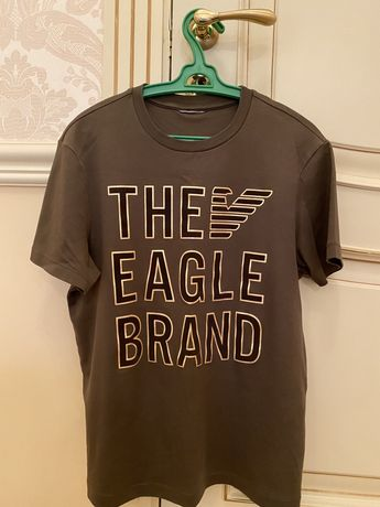 Продаю футболку Armani