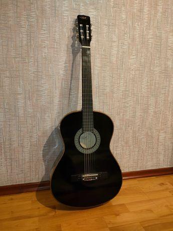 Черная гитара для начинающих