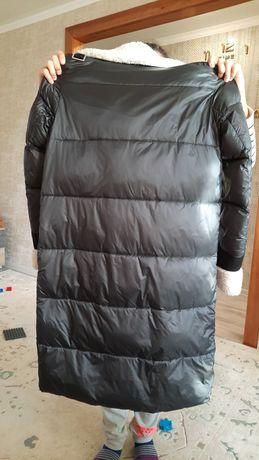 Продам зимнюю куртку, в отличном состоянии,  одевала ц раза всего
