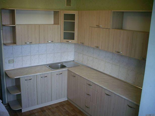 Кухонный гарнитур, шкаф-купе, комоды, кровати и м.д
