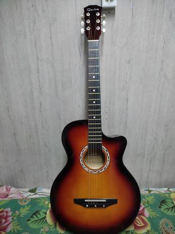 Гитара почти новый чек есть