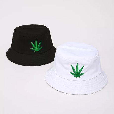 Унисекс шапка Идиотка/Unisex bucket hat - бял и черен цвят