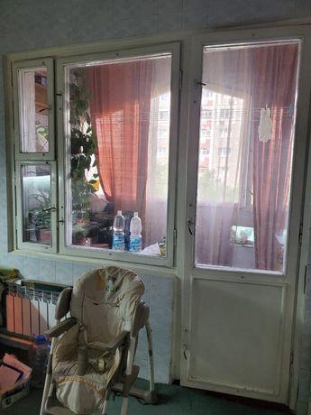 Продам балконное окно с дверью в коробке