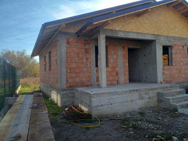 Vand case si loturi de case în Focsani langa Fan Curier
