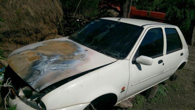 Dezmembrez Ford Fiesta Ghia 1.242 benzina din 1996,1997,1998,1999,2001