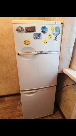 Холодильник LG отлично работает