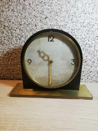 Старинен настолен часовник