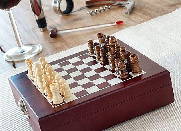 Casetă Deluxe de șah și set accesorii vin