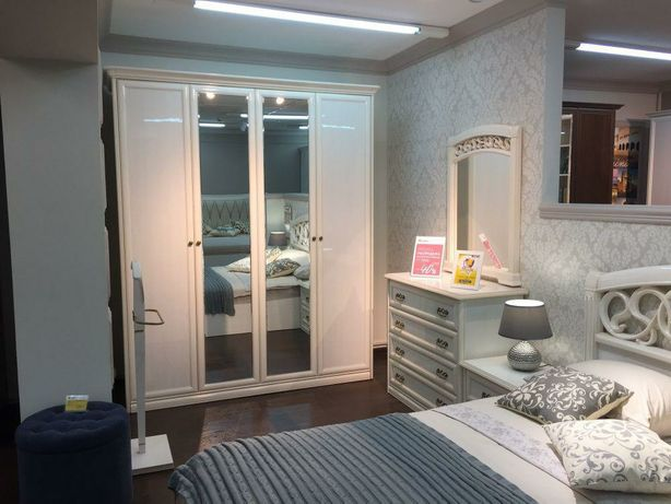 Продам мебель-шкаф и кровать.произ-во Россия.