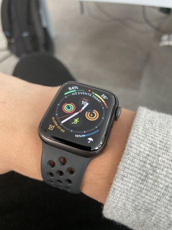 Продаю apple watch SE 40mm nike edition