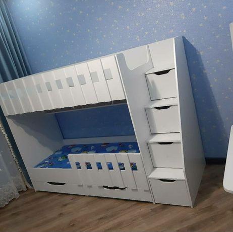 Кровать детская двухъярусная новая двухярусная