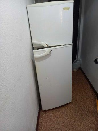 Холодильник No Frost Daewoo рабочий торг