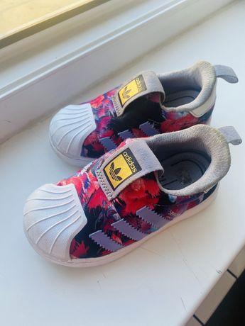 Кроссовки adidas оригинал 23 р
