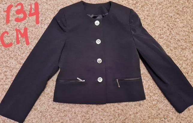 Школьная форма и одежда для девочки