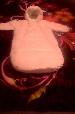 Ескимос за новородено на Бенетон за момиче-50лв.