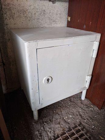 Продам сейф металлический