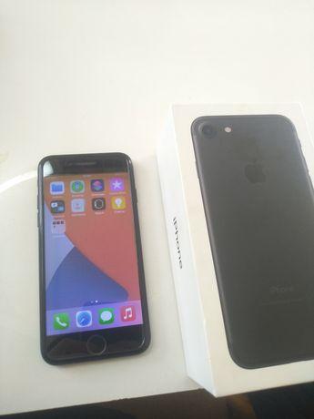 Продам айфон 7 32 гб идеал