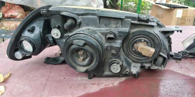 Передние фары Toyota Caldina ST215