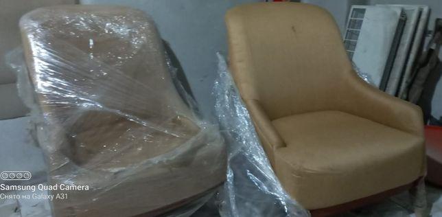 2  Прочных Европейских Кресла