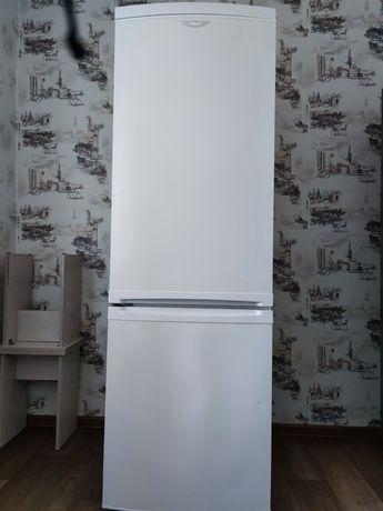 Продам холодильник Zanussi