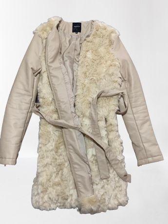 Дамско палто на reserved
