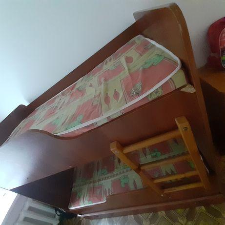 Продам  детскую двух ярусную кровать в хорошем  состоянии