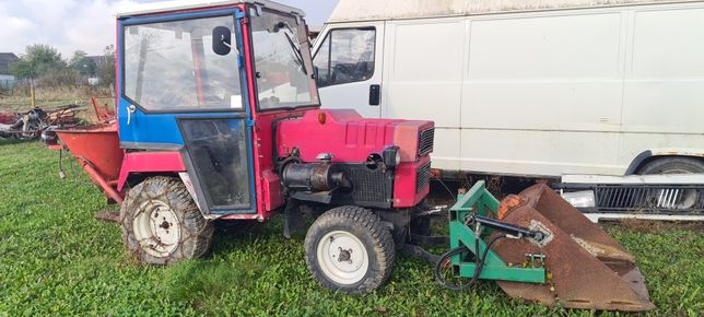 Tractoras Hako 3800 diesel cu lamă de zăpadă