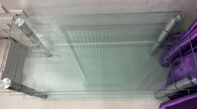 Продаётся стеклянный стол