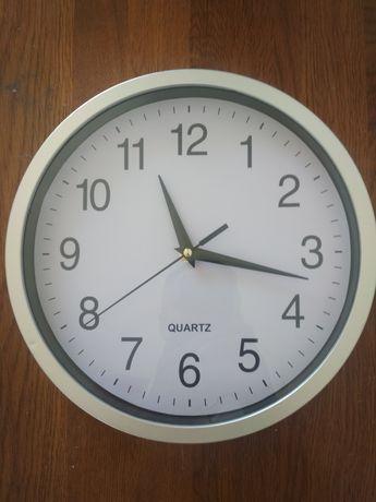 настенные часы 25 см.